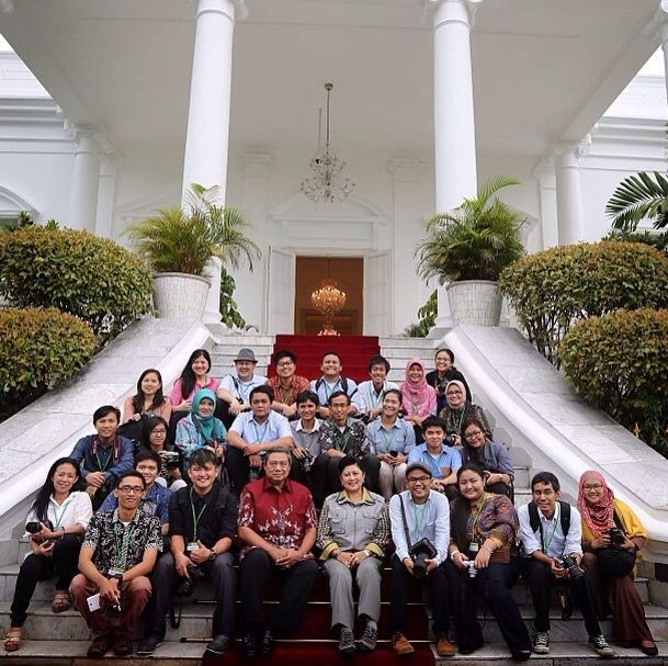 Group-Photo-Bogor-Palace
