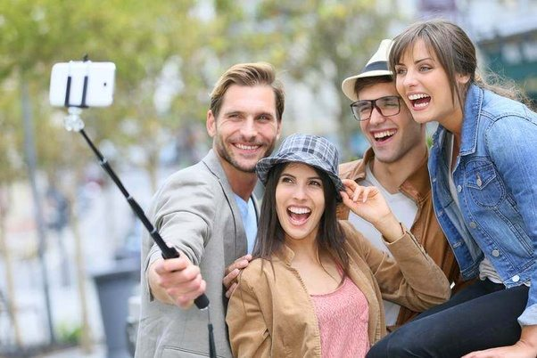 7fa70402b8d2f4 How To Use A Selfie Stick Without Looking Silly: Tips And Tricks